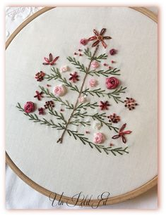 Embroidery Hoop Nursery, Crewel Embroidery Kits, Hand Work Embroidery, Silk Ribbon Embroidery, Vintage Embroidery, Machine Embroidery, Embroidery Thread, Embroidery Supplies, Embroidery Tattoo
