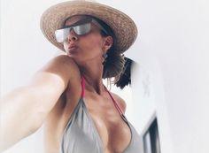 """¡Que figura! / La mexicana Fey calienta las redes con sexy topless (+Fotos) /  Caracas.- La cantante María Fernanda Blázquez Gil, mejor conocida en el mundo artístico como Fey, sigue sorprendiendo en sus redes sociales. Hace tan solo unas semanas, la intérprete de """"Azúcar amargo""""y """"Gatos en el balcón"""", publicó una sexy foto en traje de baño y presumiendo cuerpazo en diminuto bikini. Pero esta vez"""
