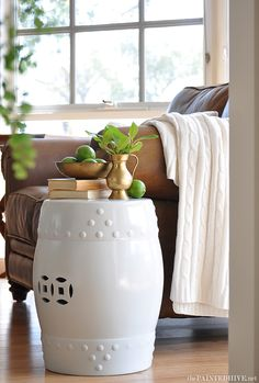 Ceramic Drum Stool Makeover - easy tutorial on how to paint. This drum stool was originally black!