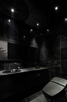 A Short House Guide For Contemporary Interior Design ideas Contemporary Bathroom Designs, Bathroom Design Luxury, Contemporary Interior Design, Modern House Design, Toilette Design, Black Toilet, Black Interior Design, Restroom Design, Black Rooms