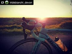 Sunset Cycletography on point!  #Repost @iridebianchi_devon (@get_repost)  Evening rides don't get better than this  #beautifulsunset #trainingride #allabouttheride #cycling #ridewithaview #cycletography