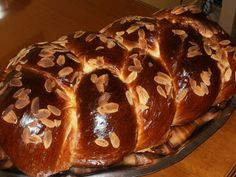 Olga's cuisine...και καλή σας όρεξη!!!: Τσουρέκι αφράτο και πεντανόστιμο