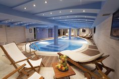 Indoor swimming pool is the best practice for every family for every time of the day and every season of the year. Having an indoor pool. Lounge Design, Spa Design, Life Design, Indoor Swimming Pools, Swimming Pool Designs, Spas, Bucket List For Teens, Piscina Interior, Hotels