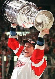 Sergei Fedorov with Stanley Cup, 1997