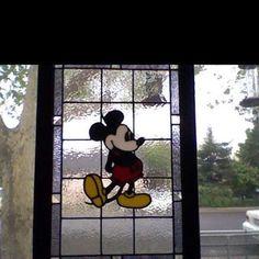 Disney home decor idea - Mickey Mouse stained glass window Mickey Mouse House, Mickey Mouse Kitchen, Disney Kitchen, Mickey Mouse And Friends, Mickey Minnie Mouse, Walt Disney, Disney Fun, Disney Dream, Disney Hall