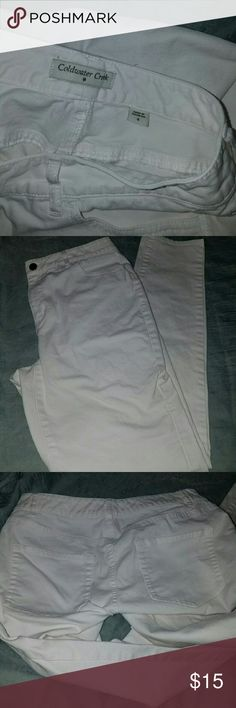 SKINNNYYY ALL WHITW COLDWATER CREEK JEANS THESE PANTS ARE IN LIKE NEW CONDITION! perfectly white no stains. Jeans not pants! Mid rise. BUNDLE AND SAVE 20%! Coldwater Creek Jeans Skinny