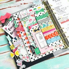 """2,456 Likes, 92 Comments - Christy Tomlinson (@theplannersociety) on Instagram: """"Even planner pockets, need their own selfies too . My husband was watching me plan last night on…"""""""