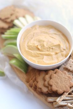 This Unbelievably Good Sweet Vegan Pumpkin Dip is basically no-bake pumpkin pie in dip form. Serve it with fresh fruit, graham crackers, ginger snaps, and pretzels for the best ever easy crowd-pleasing fall party dessert! Click through for the recipe. | glitterinc.com | @glitterinc Pumpkin Dip, No Bake Pumpkin Pie, Vegan Pumpkin, Baked Pumpkin, Ginger Snaps, Party Desserts, Graham Crackers, Fresh Fruit, Dips