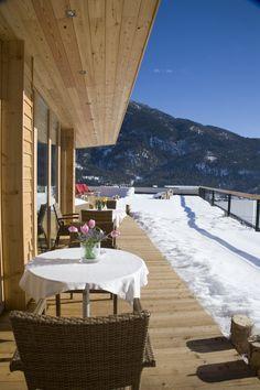 Das Kronthaler | Alpine Style Hotel | Austria | http://lifestylehotels.net/en/das-kronthaler | outside, terrace, winter, snow, sun