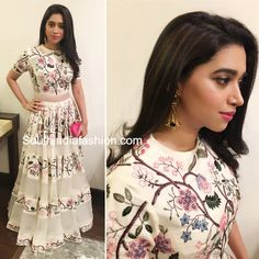 Indian Gowns, Indian Fashion Dresses, Indian Designer Outfits, Indian Attire, India Fashion, Indian Outfits, Fashion Outfits, Indian Wear, Women's Fashion