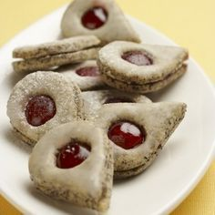 makové slzičky s citrónovou polevou Linzer Cookies, Meringue Cookies, Cake Cookies, Christmas Cookies, Christmas Sweets, Christmas Baking, Czech Desserts, Biscuits, Czech Recipes