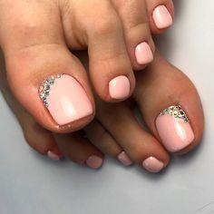 21 Chic Toe Nail Designs to Complete Your Image ❤ Pale Shades of Nail Polish f. 21 Chic Toe Nail D Pretty Toe Nails, Cute Toe Nails, Pretty Toes, Gorgeous Nails, Toe Nail Color, Toe Nail Art, Nail Colors, Toe Nail Polish, Pedicure Designs
