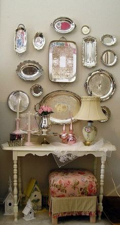 Silver display with plonk and white accents