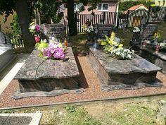 Úprava hrobového miesta. Kamenný koberec Kolos 3-5mm.