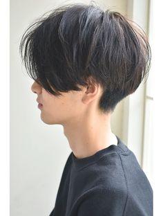 【December】men's 後頭部の丸みがポイント!前下がりマッシュ… – Hair Headband İdeas. Short Hair Tomboy, Short Grunge Hair, Asian Short Hair, Girl Short Hair, Short Hair Cuts, Shot Hair Styles, Curly Hair Styles, Levi Haircut, Tomboy Haircut