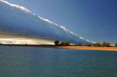 morning glory - Las nubes Morning Glory son increíblemente raras, tanto es así, que no sabemos lo que las causa. Son más comúnmente vistas en la pequeña localidad de Burketown en Australia.