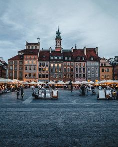 Warsaw old town, Poland ~~~~~~~~~~~~~~~~~~~~~~~~~~~~~~~ Places Around The World, Oh The Places You'll Go, Cool Places To Visit, Places To Travel, Around The Worlds, Krakow Poland, Warsaw Poland, Warsaw Old Town, Hallstatt