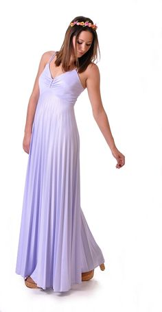 Flowing Lilac Pleated Maxidress   Damsel Vintage - Totally considering getting this dress.