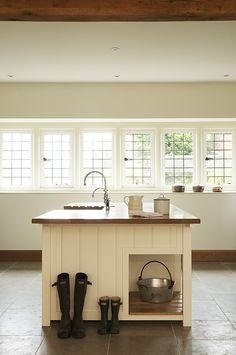 The Osgathorpe Classic English Kitchen by deVOL, a beautiful large family kitchen.