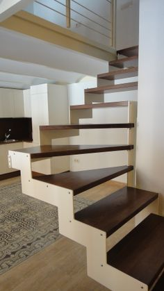 Fabricación de huellas en madera para escalera Stairs, Home Decor, Environment, Floating Stairs, Interior Stairs, Wood Flooring, Wood Doors, House Decorations, Laminate Flooring