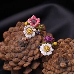 Multi-Color Flower Stud Earrings Daisy Crystal Mini Girls Women Lady Studs
