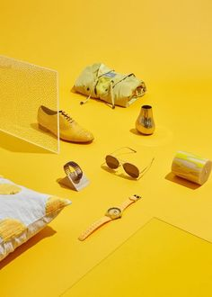 Yellow monochromatic multi object still life photography - Image source: Lillico Projects Golden Yellow Color, Shades Of Yellow, Mellow Yellow, Yellow Art, Yellow Photography, Still Life Photography, Photography Business, Photo Deco, Photography Exhibition