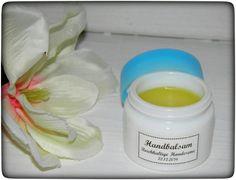 Heute gibt es wieder ein schönes DIY Kosmetik Rezept für Euch und zwar ein tolles Hand & Nail Balm für trockene und rissige Hände.