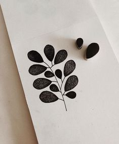 plant linocut art by minna may Simple Leaf Style Learners start out by Understanding standard reducing methods, making a standard leaf from cucumber. Form Design, Stamp Printing, Printing On Fabric, Hand Printed Fabric, Diy Cadeau, Stamp Carving, Fabric Stamping, Handmade Stamps, Simple Shapes