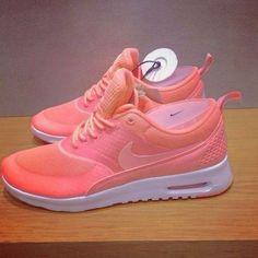 on sale 36501 9ad27 Pick it up! Nike shoes outlet and are just for  21.9 ! Chaussures Nike,