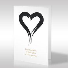 """Die hochformatige weiße Trauerkarte ziert ein selbst illustriertes, großes Herz. Das Herz-Symbol steht für die Liebe, welche in dem unten stehenden Trauerspruch mehrmals erwähnt wird. """"In Liebe geboren. In Liebe gelebt. In Liebe gestorben"""" ist der Wortlaut des Spruchs, der den Hinterbliebenen das Gefühl vermittelt, dass dem Verstorbenen in jedem Lebensabschnitt, auch bis in den Tod die Liebe ein steter Begleiter war. https://www.design-trauerkarten.de/produkt/herzensleid/"""