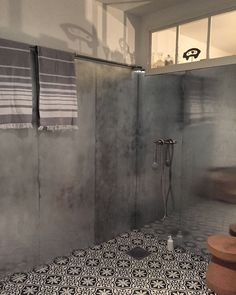 Our farmhouse bathroom with zinc plates on the walls & marrocan tiles on the floor