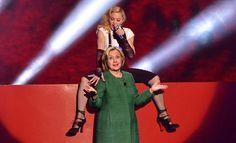 Si votan por Hillary Clinton, Madonna ¿hará sexo oral?