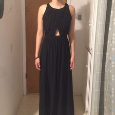Black Maxi Dress perfect condition, never worn. i accept ALL reasonable offers! :) The Hanger Dresses Maxi