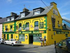 The Small Bridge Pub (An Droicead Beag), Dingle, County Kerry, Munster, Ireland Ideas Pub, Guinness, Connemara Ireland, Moving To Ireland, Ireland Travel, Pub Signs, Emerald Isle, Guide, Dublin