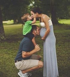 Super baby announcement second child maternity pictures 18 Ideas Family Maternity Photos, Baby Bump Photos, Maternity Pictures, Pregnancy Photos, Maternity Styles, Cute Family Pictures, Baby Girl Pictures, Family Photos, Second Child Announcement