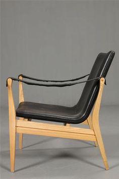 Ebbe and Karen Clemmensen; Ash and Leather Safari Chair for Fritz Hansen, 1958.