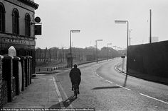 Rare photographs of life in the East London docklands before Canary Wharf Old London, East London, London Docklands, Isle Of Dogs, Victorian London, London History, Heart Of Europe, Old Street, Candid Photography