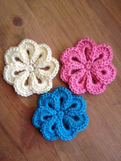 Great accessory on a crochet beanie hat (hint, hint ;)), as a hairclip or a brooch. Ooh, or maybe a whole garland of them as a backdrop for a photo shoot! ~ I like the hair barette idea!