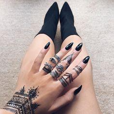 Black Henna Style 3 - Indigo Lune