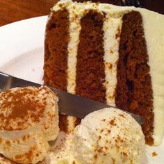 the most amazing carrot cake. ever. @hub51