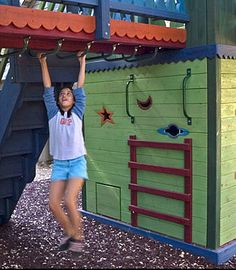 Barbara Butler-Play Structure Slide Show-Extraordinary Play Structures for Kids ~love this idea. Who doesn't love monkey bars? Kids Outdoor Play, Kids Play Area, Backyard For Kids, Outdoor Fun, Backyard Ideas, Play Areas, Garden Ideas, Play Structures For Kids, Outdoor Play Structures