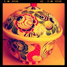 Hand painted wooden box from Gorodets (Russia)