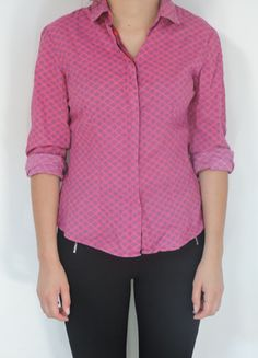 A vendre sur #vintedfrance ! http://www.vinted.fr/mode-femmes/blouses-and-chemises/16011226-chemise-rose-a-motif