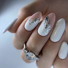New nail art trends bring you unlimited nail design inspiration – Page 95 of 117 – Inspiration Diary Foil Nail Art, Foil Nails, Nails With Foil, Minimalist Nails, Classy Nails, Stylish Nails, Gorgeous Nails, Pretty Nails, Cute Nail Colors