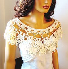 Hand Crochet Bridal Cream Lace Bolero Shrug Shawl Bride by Pasin Col Crochet, Poncho Au Crochet, Crochet Collar, Crochet Woman, Hand Crochet, Lace Bolero, Crochet Wedding, Lace Wrap, Wedding Wraps
