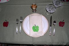 Apple Tablecloth & Napkins great project for the kiddies!