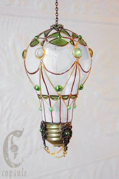 Decorative Ornament, Frost White Stained Glass Light Bulb Hot Air Balloon with Green Decoration, Holiday Christmas Tree, Window Ornament sommer dekoration Light Bulb Art, Light Bulb Crafts, Stained Glass Light, Stained Glass Paint, Diy And Crafts, Arts And Crafts, Christmas Crafts, Christmas Ornaments, Christmas Tree