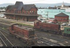 Vintage Trains, Old Trains, Pennsylvania Railroad, Railroad Photography, Train Engines, Lehigh Valley, Model Train Layouts, Lego House, Diesel Locomotive