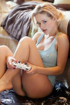 I love gamer girls