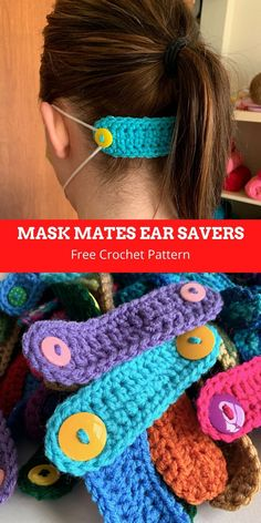 Wearing a mask isn't fun to begin with but wearing it all day multiple days in a row can quickly create a lot of pain from rubbing on ears. These mask mates provide an alternative to attach the mask… Crochet Mask, Crochet Faces, Free Crochet, Knit Crochet, Crochet Buttons, Free Knitting, Knitting Patterns, Sewing Patterns, Crochet Patterns